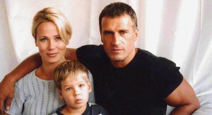 Как живут сейчас родные актера Александра Дедюшко? Вот, что с ними стало!
