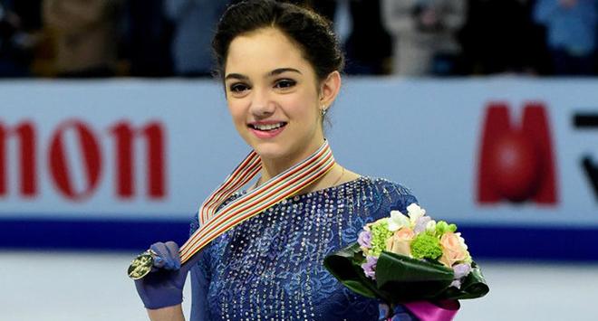 Евгения Медведева завоевала золото на Олимпиаде, установив мировой рекорд