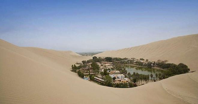 Нет, это не мираж! Удивительный город-оазис среди пустыни в Перу (14 фото)