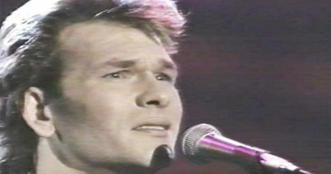 Знаете ли вы, что Патрик Суэйзи, помимо всех его талантов, ещё и отлично пел?