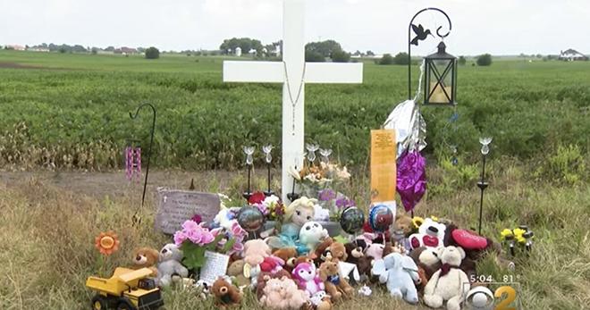 29-летняя женщина и трое её детей погибли в результате автомобильной катастрофы. Затем полиция находит сотовый телефон, который…