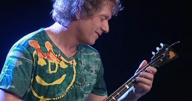 Виртуоз с балалайкой! Алексей Архиповский создает музыку детства, снежинок, звёзд, слёз и сказок!