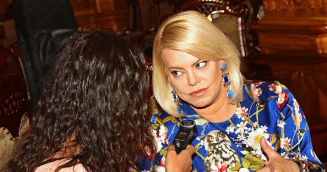 Яна Поплавская подобрала для дочери Марии Шукшиной оскорбительный эпитет и призвала ее скорее сменить фамилию