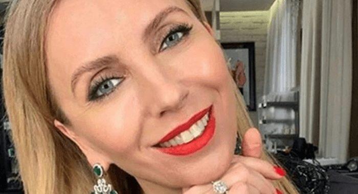 «Бесцветная, зато фигура красивая». Как выглядит 51-летняя Светлана Бондарчук без макияжа и фотошопа