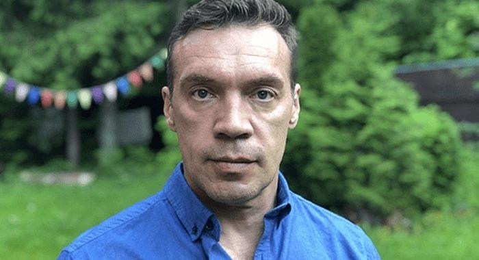 «Четыре брака, отказ от сына, зрелая жена»: Олег Чернов и его любовь с известной актрисой