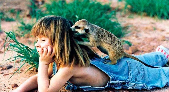 Девочка Маугли все детство провела среди слонов и гепардов. Сегодня ей уже 30!