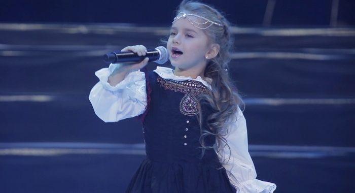 Этой маленькой певице всего 6 лет. Но поет она так, что невозможно забыть!