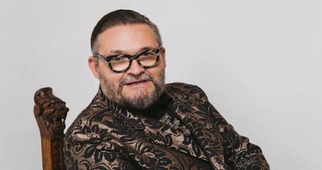 Александр Васильев считает, что лучше отдать деньги Вячеславу Зайцеву, погрязшему в долгах, чем больным детям