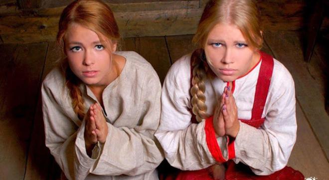 Пришлось выгнать обеих дочерей из дома. Иначе стала бы следующей