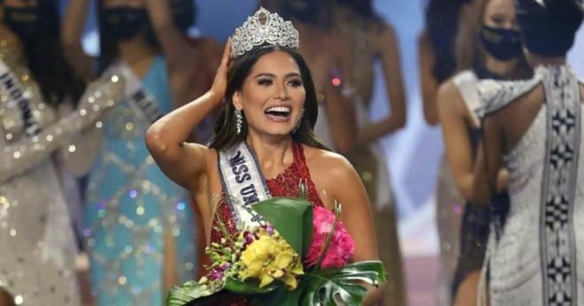 «Мисс Вселенная-2021»: Как выглядит самая красивая девушка мира в обычной жизни